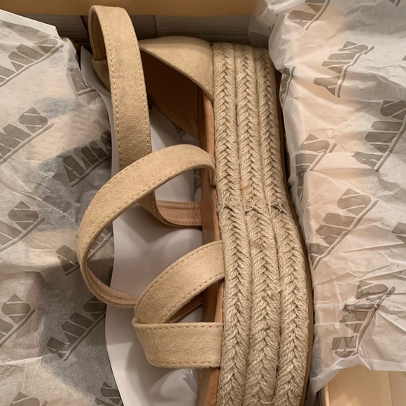 Shoes - Brand New Boutique Sandals
